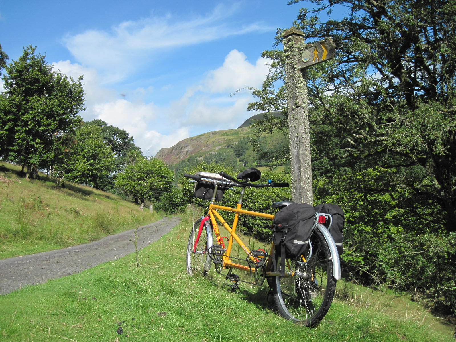 Welsh National cycle route - Lon Las Cymru cycling holiday with Wheely Wonderful Cycling